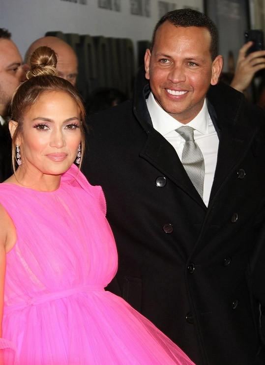 Jennifer Lopez a Alex Rodriguez jsou zasnoubení, ale v jejich vztahu se objevily mráčky.