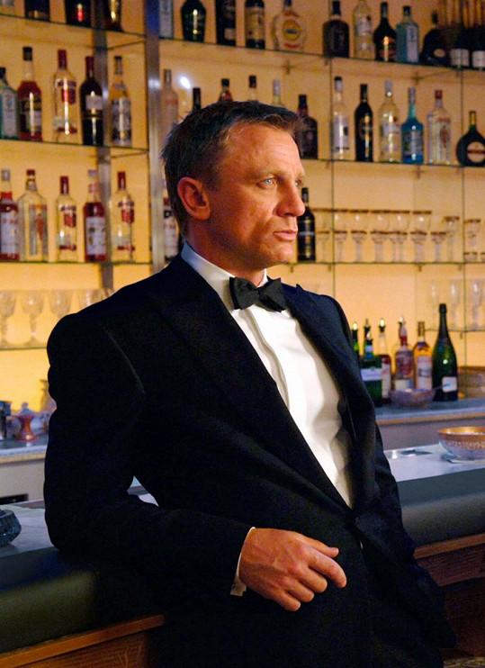 Daniel Craig je šestým a nejlépe placeným filmovým agentem 007.