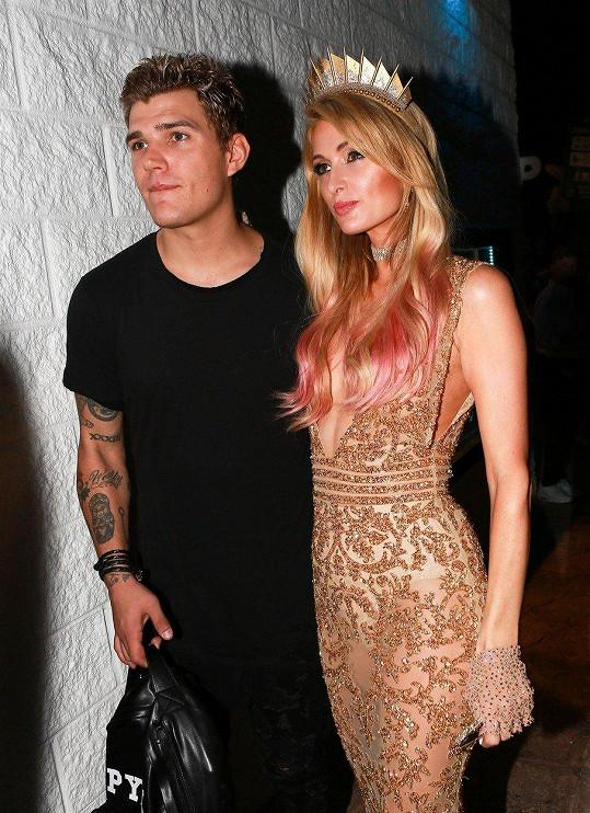 Paris Hilton a Chris Zylka se místo svatby rozešli.