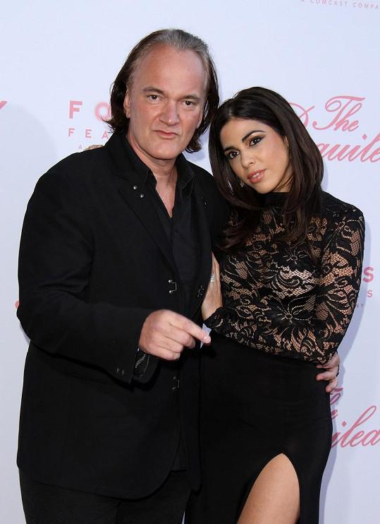 Quentin Tarantino navlékl Daniele Pick zásnubní prstýnek.