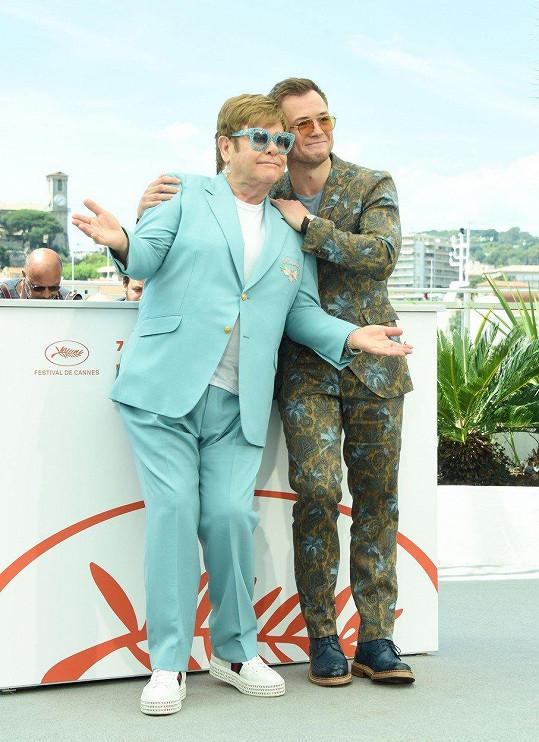 Na světové premiéře v Cannes nemohl skutečný Elton chybět.