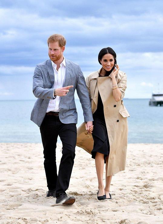 Harry a Meghan opustí Kensingtonský palác.