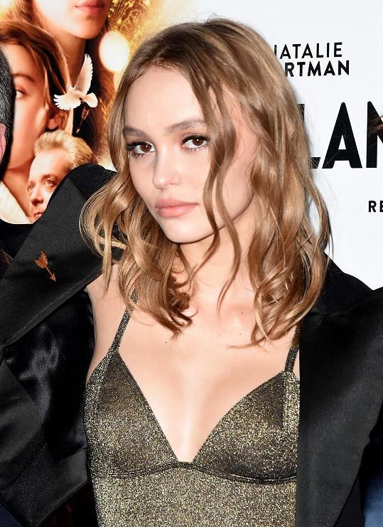 Lily-Rose na listopadové premiéře filmu Planetárium
