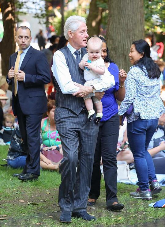 Bývalý americký prezident navštívil akci pro děti, ale hlavní atrakcí byl on sám.