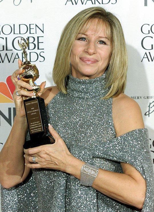 V roce 2000 převzala cenu za celoživotní dílo.