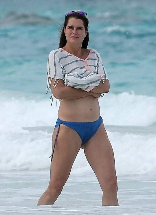 Brooke Shields na dovolené na Bahamách