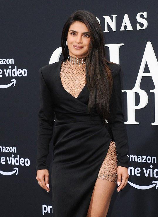 Priyanka Chopra stále dokazuje, že je pekelně sexy.