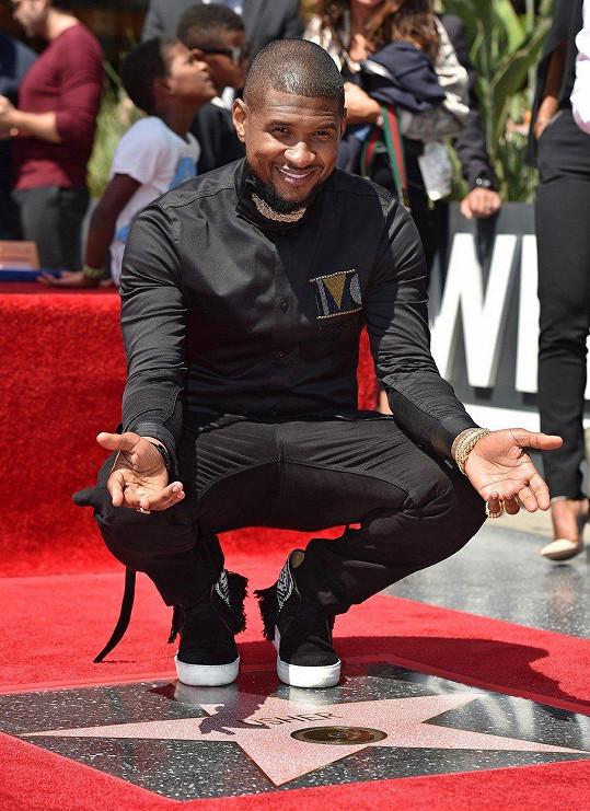 Zpěvák Usher (38)