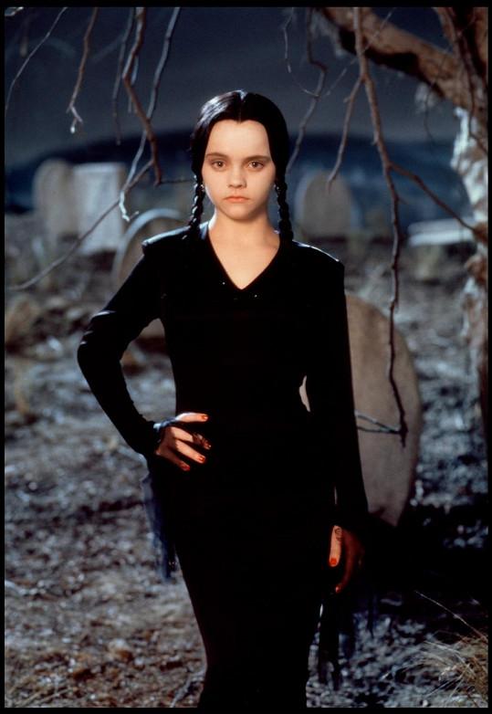 Proslavila ji hororová komedie Addamsova rodina.