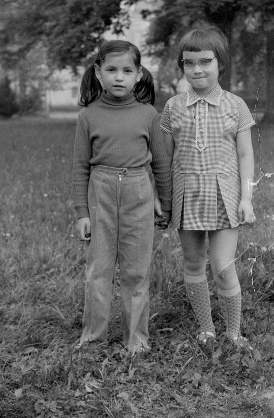 Magda Malá (vlevo) neměla lehké dětství ani léta dospívání.