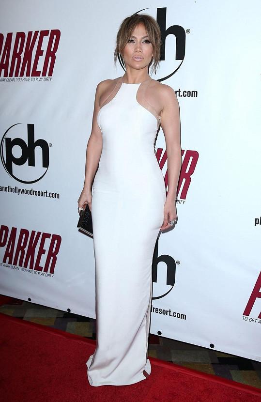 J-Lo v šatech od Kaufmana Franca zabodovala.
