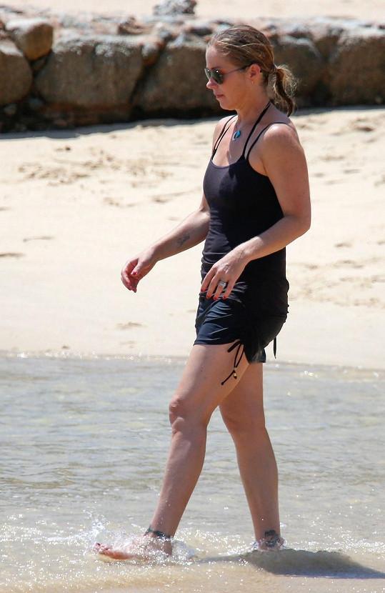 Christina má po čtyřicítce štíhlou postavu.