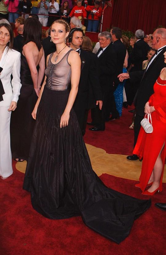 Gwyneth Paltrow v šatech od Alexandra McQueena.