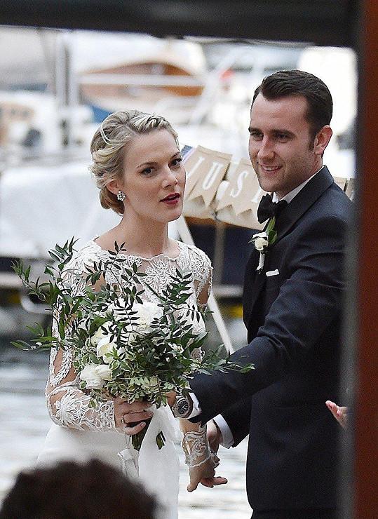 Angela Jones s novomanželem Matthewem Lewisem