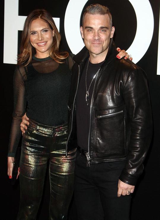 Robbie a Ayda údajně sexuálně obtěžovali zpěvákova asistenta.
