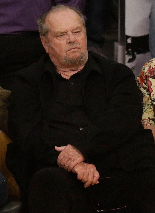 Jack Nicholson byl vývojem zápasu mírně rozladěn.