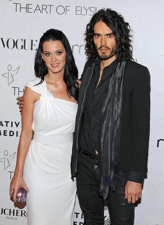 Bouřlivé manželství s velice krátkou životností měl s Katy Perry.