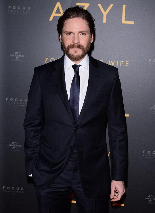 Ve snímku si zahrál i Daniel Brühl.