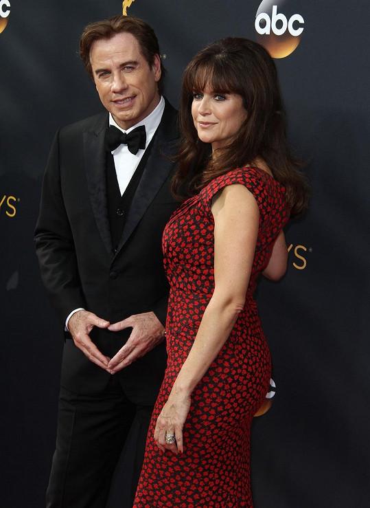 John Travolta truchlí za manželku Kelly Preston.