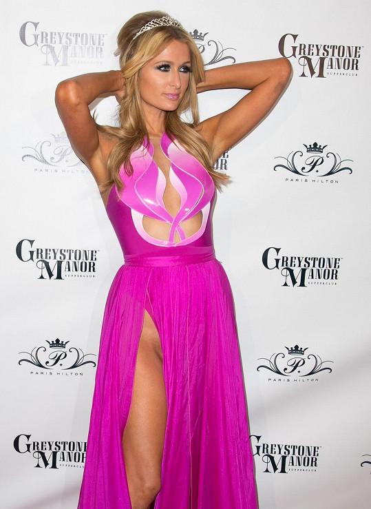 Paris Hilton ráda provokuje ve všech směrech.