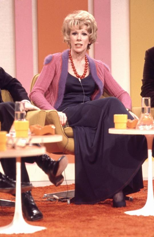 Moderátorka na snímku z roku 1974