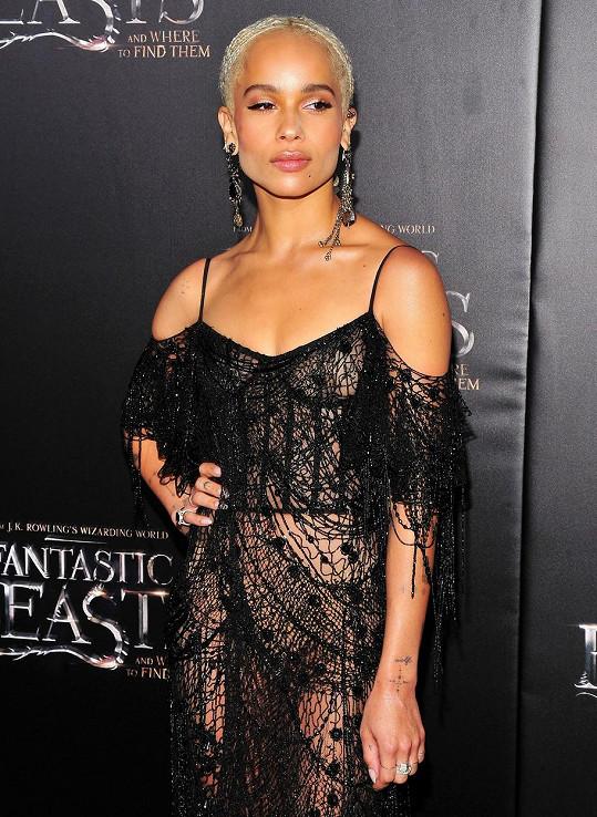 Zoe Kravitz si ukradla pozornost v šatech značky Alexander McQueen.
