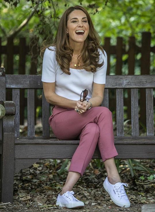 Kate dorazila do parku na setkání v rámci své charitativní činnosti.