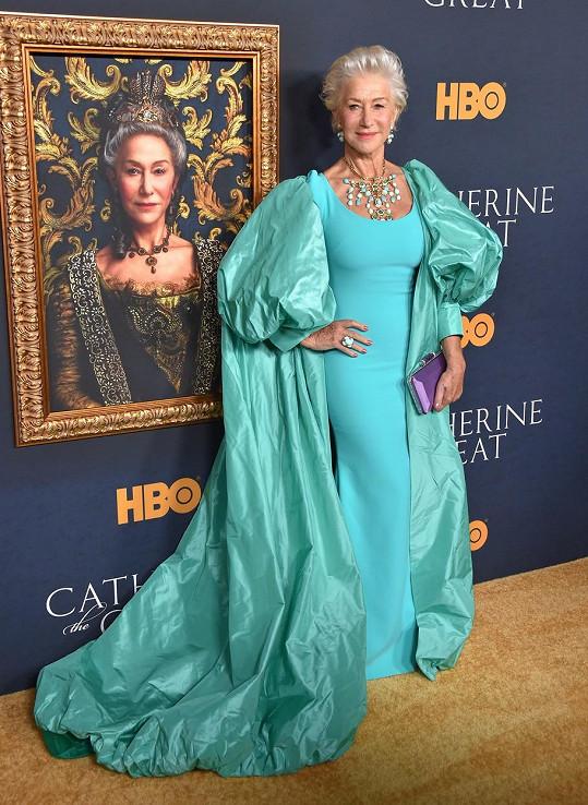 Helen Mirren na losangeleské premiéře série z produkce HBO Kateřina Veliká.