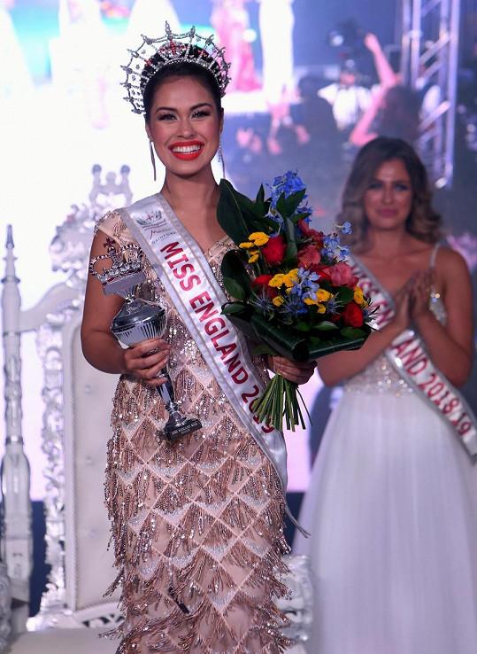 Bhasha Mukherjee je novou Miss Anglie.