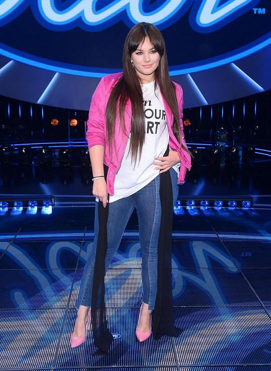 V porotě soutěže Idol to Ewě slušelo.