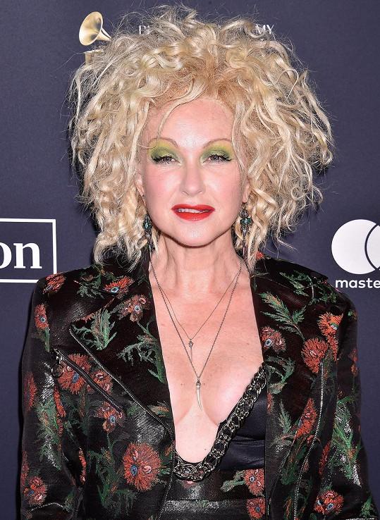 Cyndi Lauper vypadá na svůj věk skvěle.
