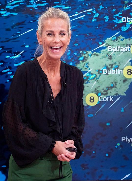 Ulrika Jonsson je švédsko-britská moderátorka.