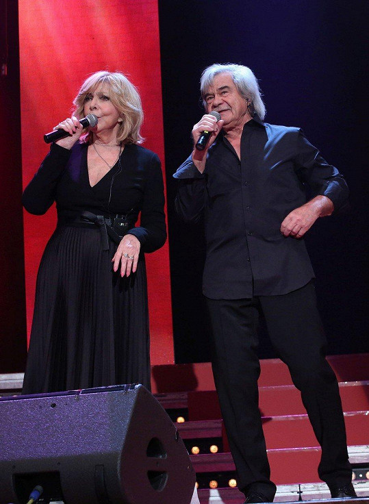 Hana Zagorová si na pódiu zazpívala i s Petrem Rezkem.