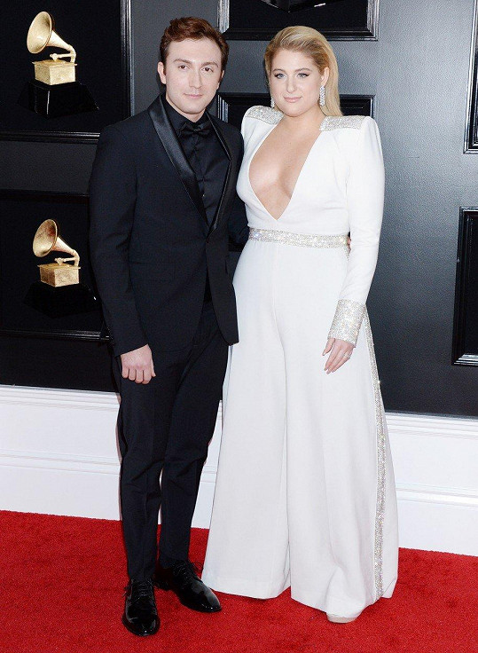 S manželem Darylem Sabarou