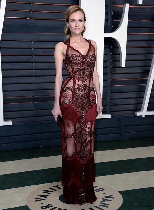 Hereččiny šaty vypadaly jako negližé.