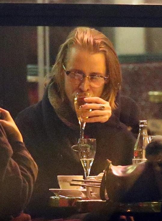 K alkoholu měl vždy blízký vztah.