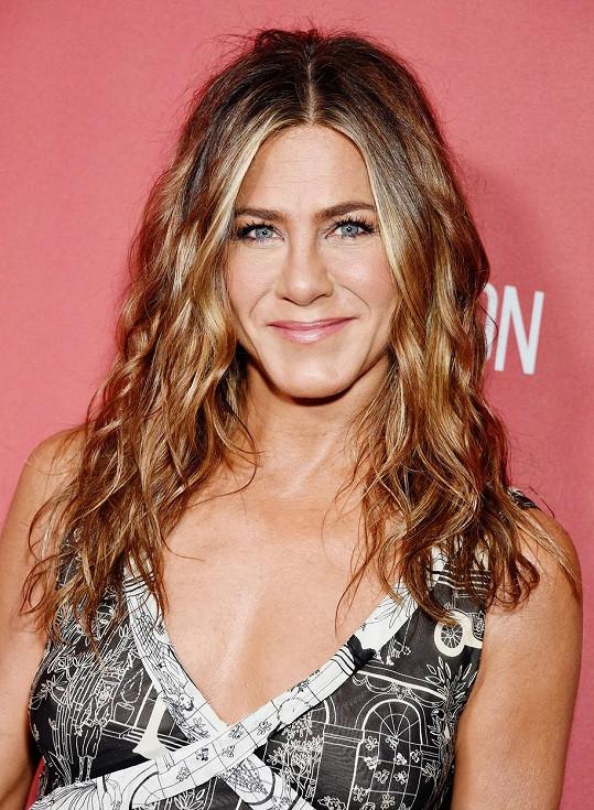 Jennifer Aniston přičichla k telemarketingu.