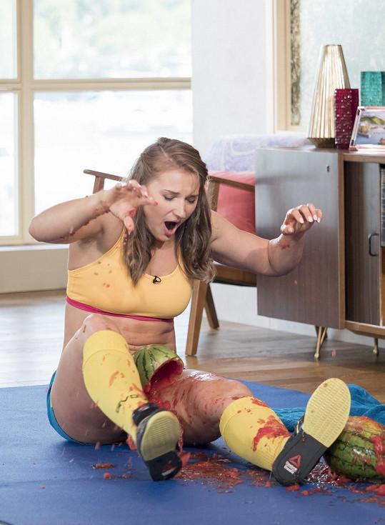 Olga Liashchuk svými stehny zvládla v roce 2015 rozdrtit tři melouny za 14,65 sekund.