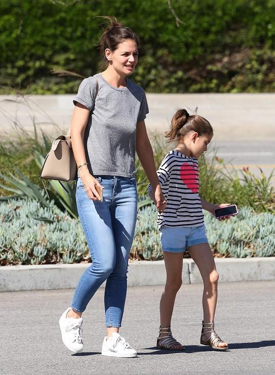Katie Holmes a Suri šly nakupovat.