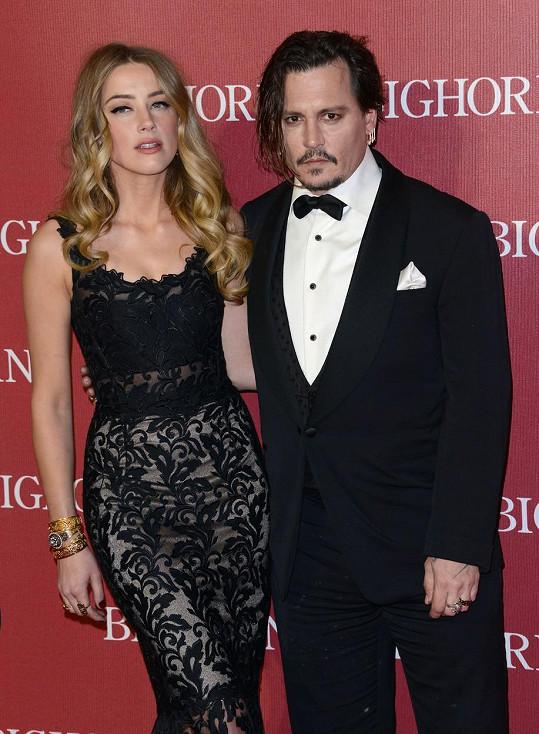 Depp stále vede soudní spor s exmanželkou Amber Heard.