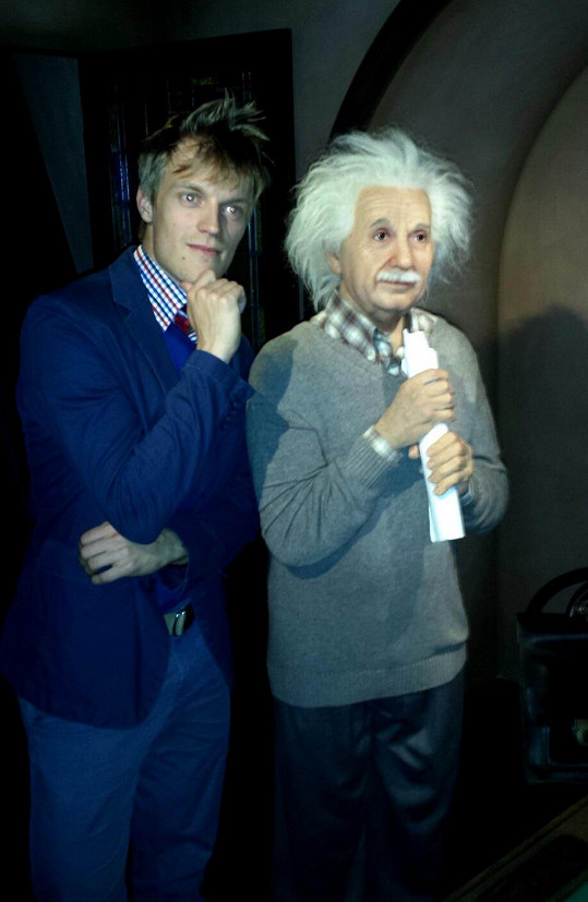 Vyfotil se i s Einsteinem.