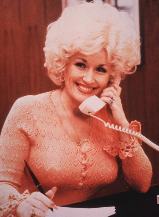 Dolly Parton ve filmu Od devíti do pěti (1980)