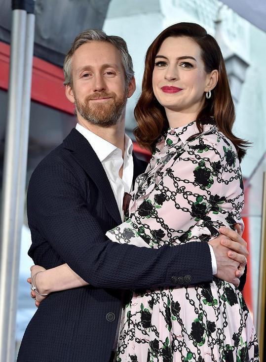 I dramatikova žena se jmenovala Anne Hathaway. Náhoda?