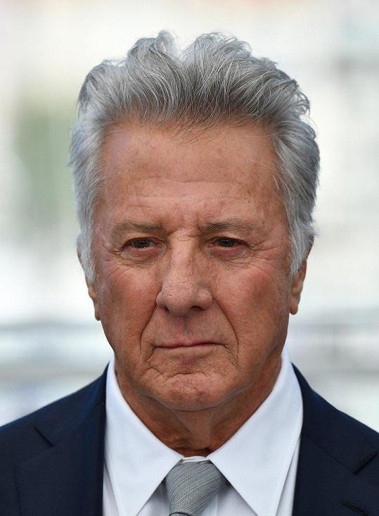 Dustin Hoffman údajně obtěžoval sedmnáctiletou kolegyni.