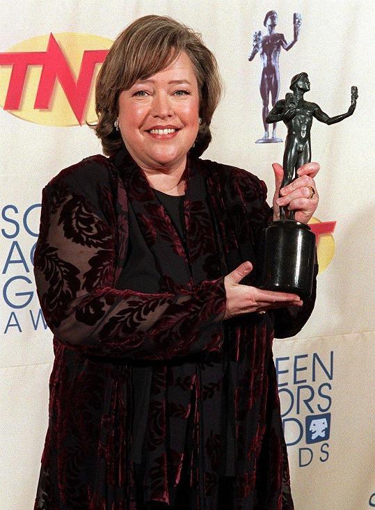 Kathy Bates má celý život sklony k tloustnutí.