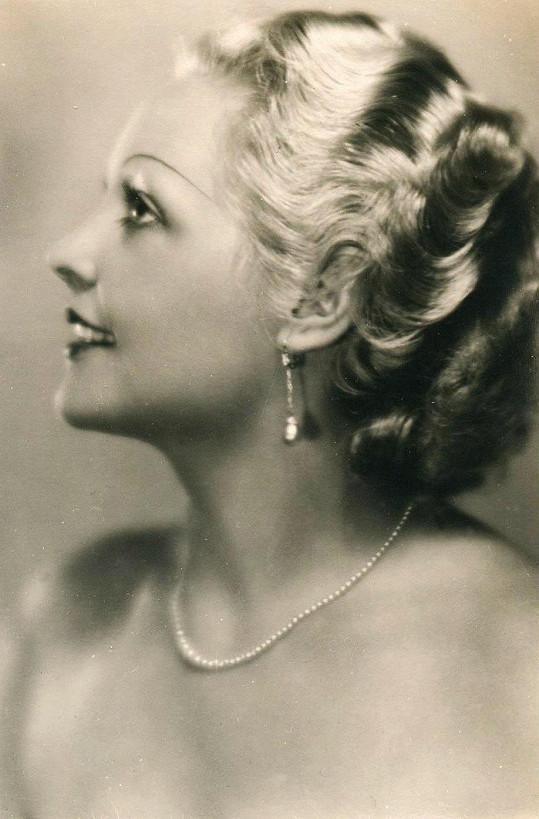 Civilní portrét prvorepublikové hvězdy Trudy Grosslichtové