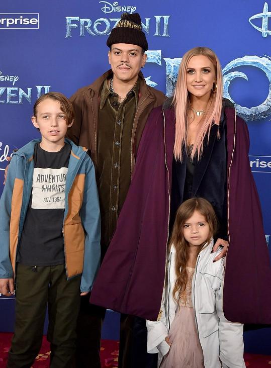 Evan Ross s manželkou a dětmi