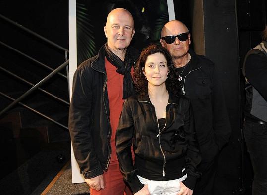 Ondřej s partnerkou Lucií Šoralovou a Jiřím Kornem, kteří budou v muzikálu Mauglí hrát.