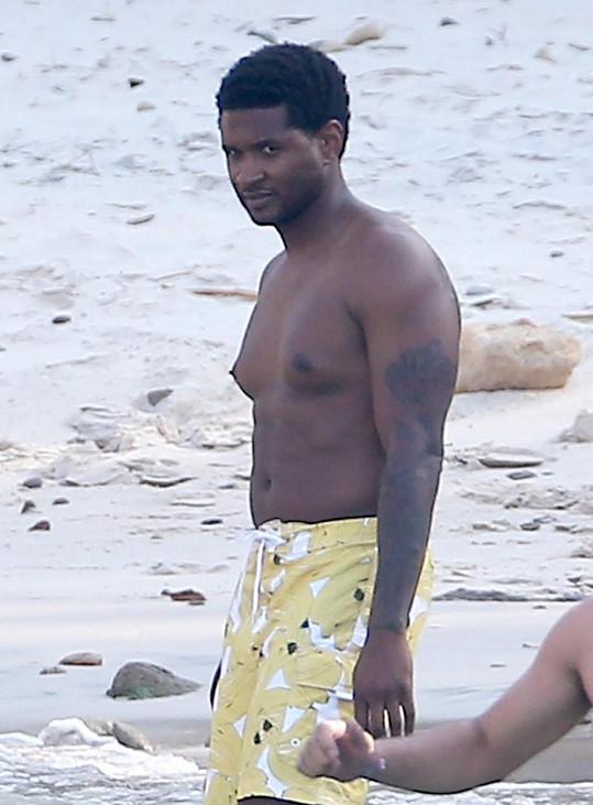 Usher poněkud polevil ve cvičení.