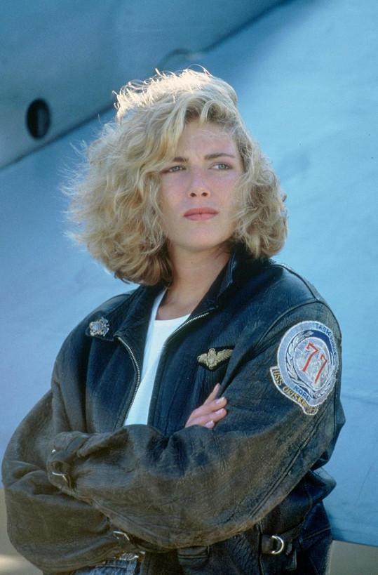 Kelly jako letecká instruktorka ve filmu Top Gun (1986)